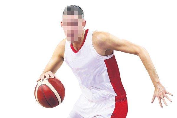 Magazin alemine bomba gibi düştü! Basketçi sevgilisinden hamile kalan ünlü manken bebek mi aldırdı?