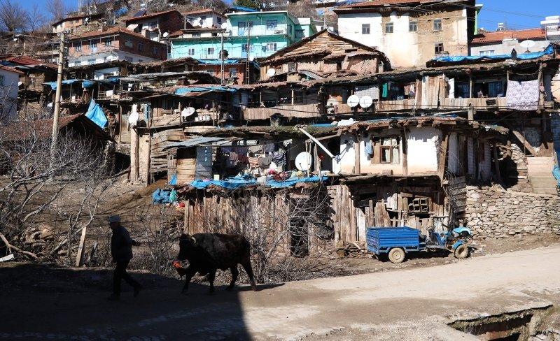 Burası Nepal değil Manisa! Fotoğrafçıların ilgi odağı oldu