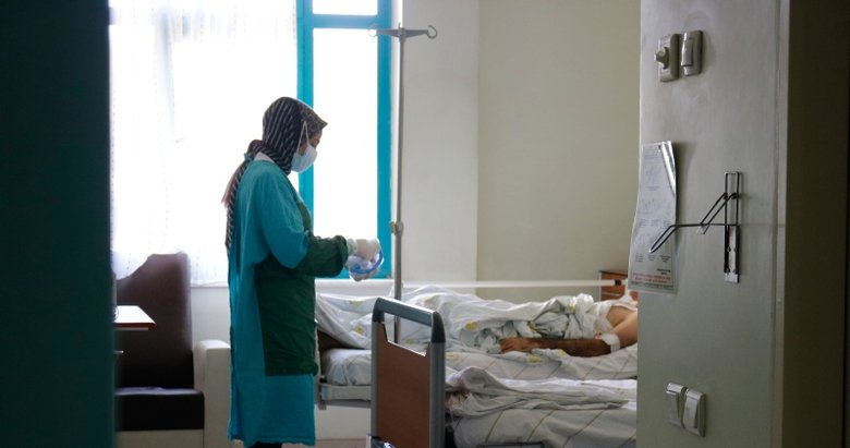 Kovid-19'da hastane yatış sıralaması! En çok o grubu etkiliyor