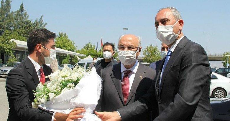 Bakan Gül'den İzmir Valiliği ve AK Parti İzmir ziyareti
