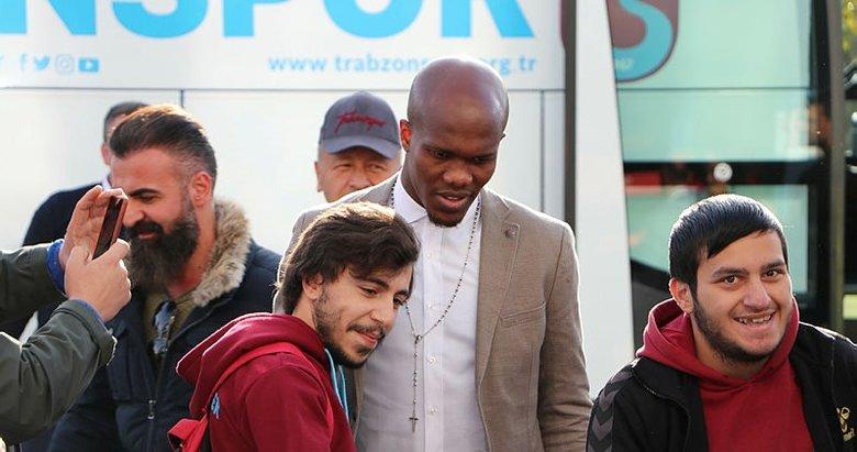 Trabzonspor kafilesi, Türkiye Kupası'ndaki Altay maçı için İzmir'e geldi
