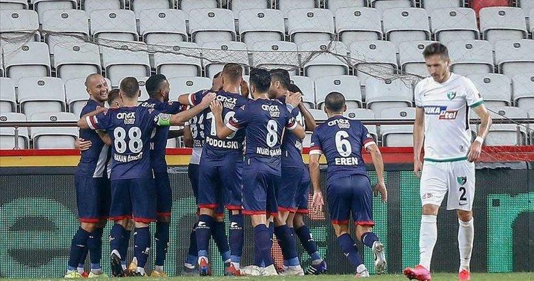 Antalya tek golle 3 puanı kaptı