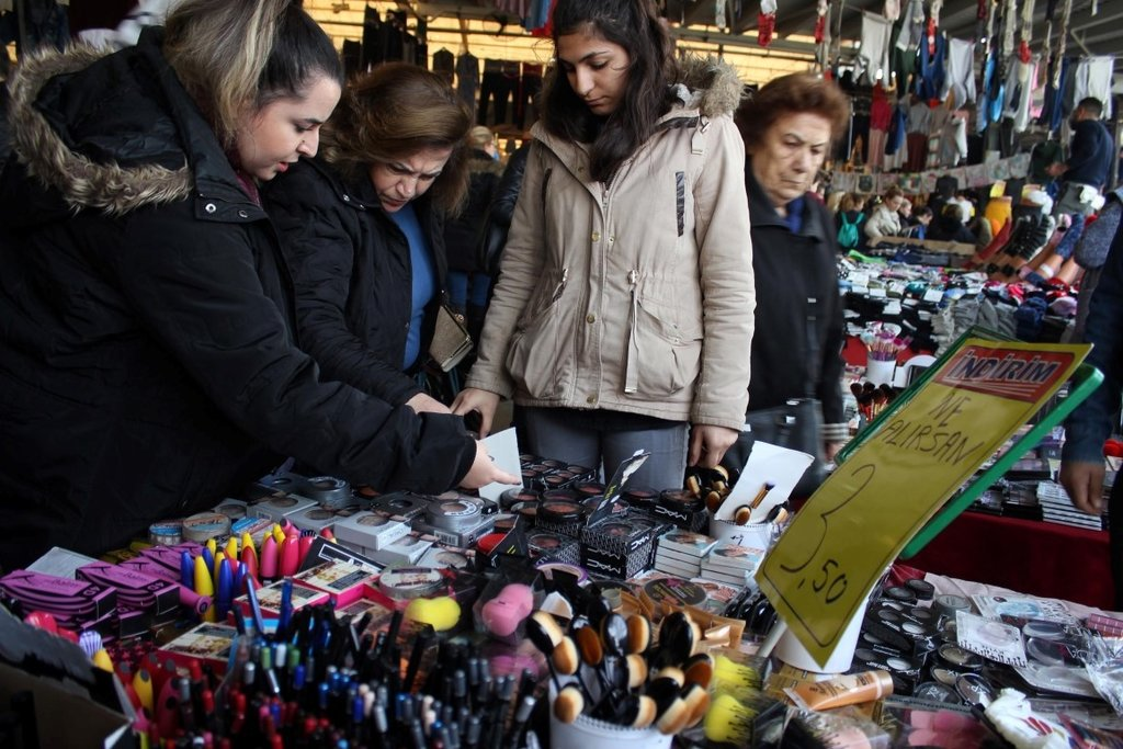 Bostanlı pazarı kadınların gözdesi