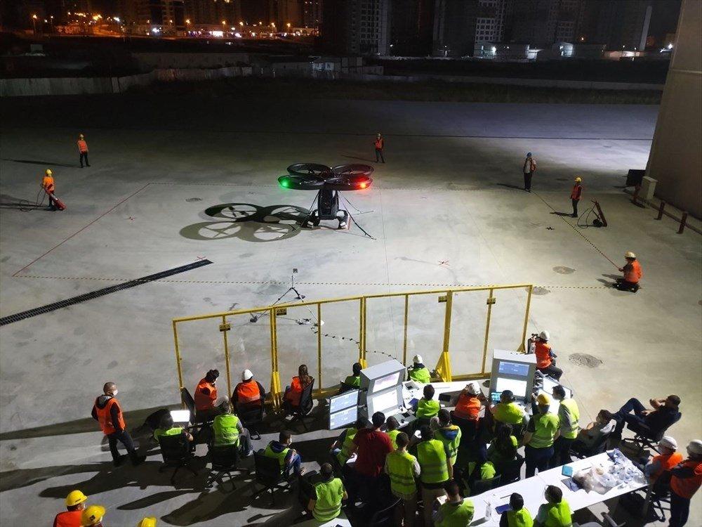 Türkiye'nin ilk uçan arabası CEZERİ havalandı! Görenleri hayran bıraktı