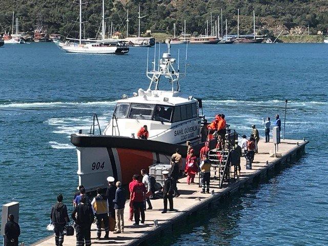 Fethiye'de batan teknede 71 öğrenci ve 8 mürettebat kurtarıldı