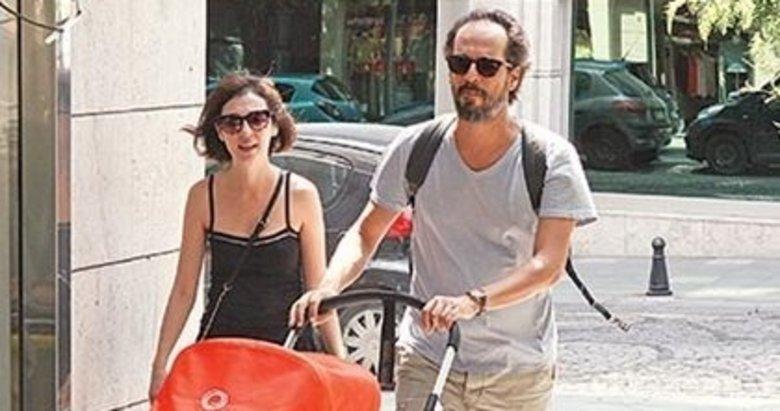 Hekimoğlu dizisinin Ateş Hekimoğlu'su Timuçin Esen eşi ve çocuğuyla herkesi şaşırttı