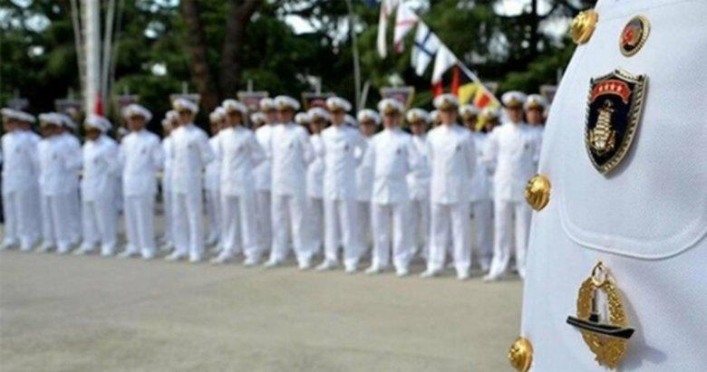 Bildiriye imza atan amirallere darbe