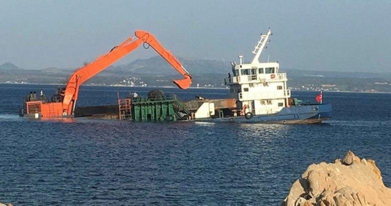 Ege'de bir Türk gemisi su alıyor