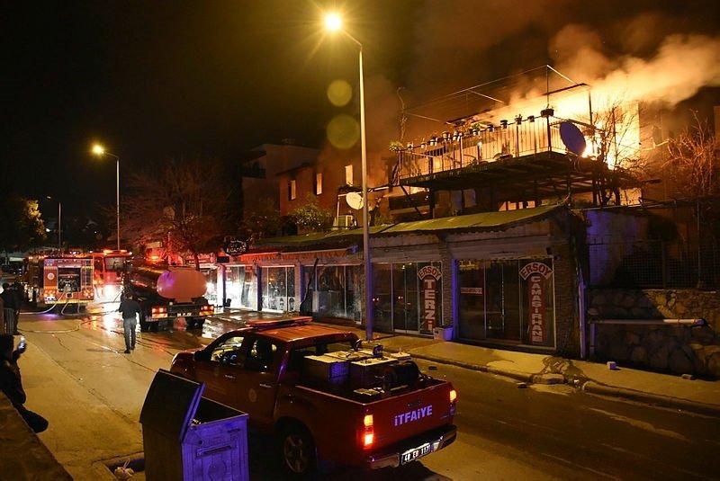 Muğla'da korkutan yangın! Son anda kurtardılar