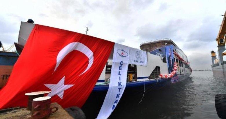 İzmir'in yeni arabalı feribotu suya indi