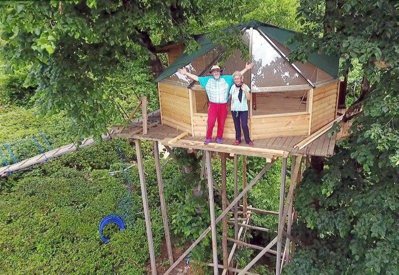 İzmir'den Artvin'e gidip ağaç ev yaptı! Konaklamak için sıraya giriyorlar! Ağaç ev nasıl yapılır? İşte detaylar...