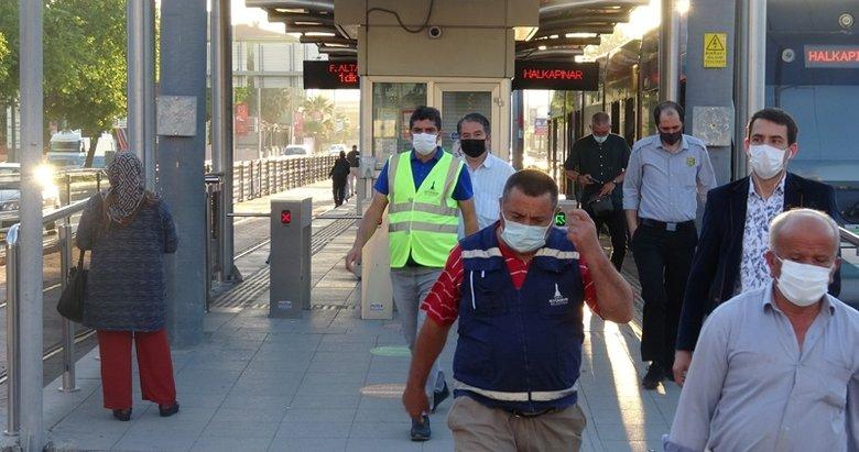 Tam kapanma sona erdi, İzmir'de yoğunluk başladı