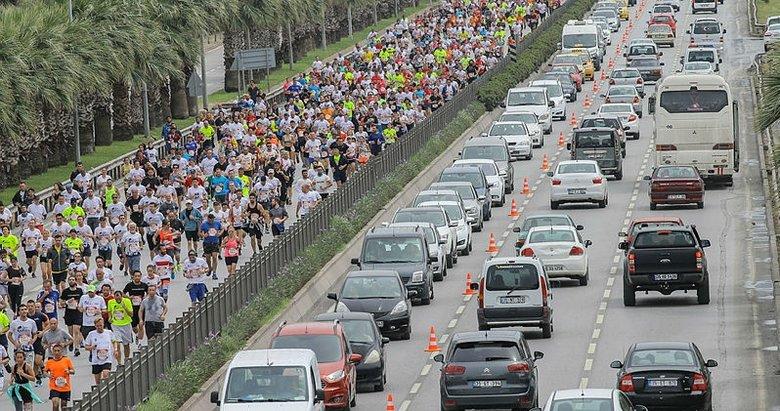 """8 bin kişi """"Wings For Life World Run"""" etkinliğinde koştu"""