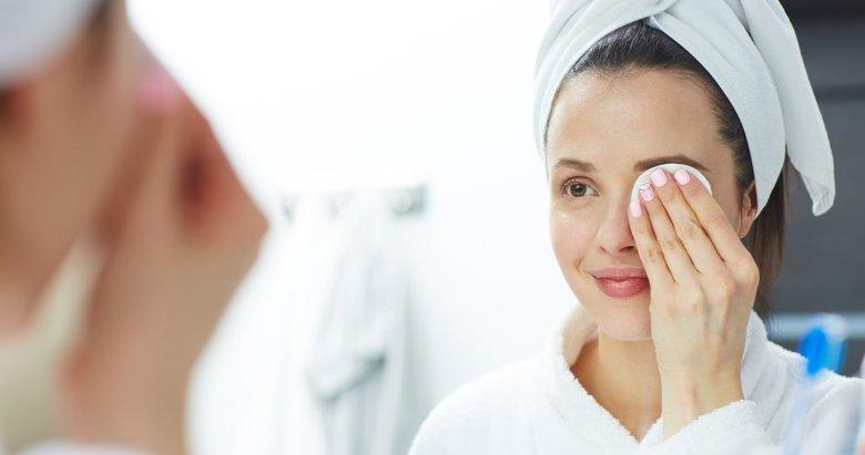 Makyajı temizleyin gözlerinizi koruyun