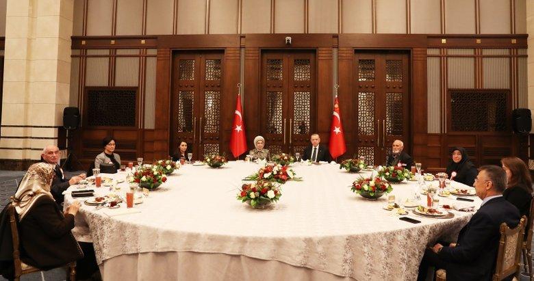 Başkan Erdoğan, ilk iftarını şehit aileleriyle yaptı