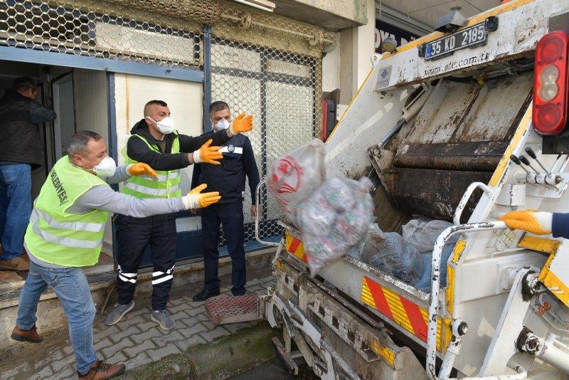 İzmir'de mide bulandıran görüntü! Kilolarca kaçak sakatat ve pişirilmiş kelle bulundu