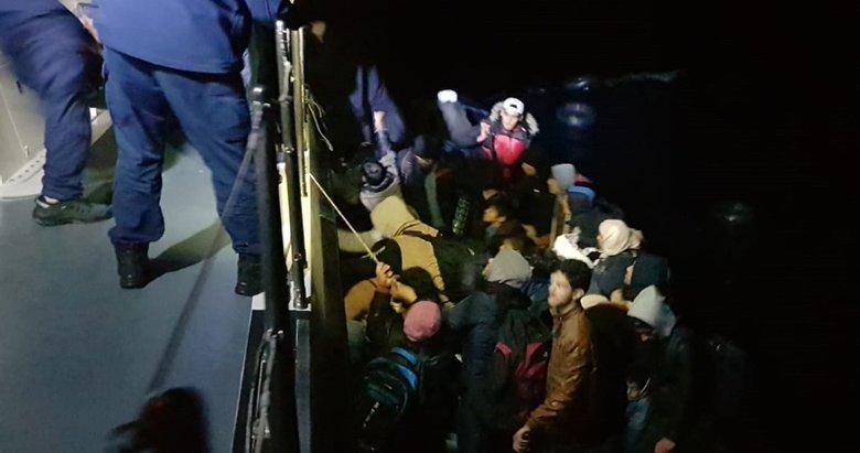 İzmir Seferihisar ve Çeşme'de 216 göçmen yakalandı