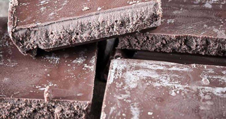 Çikolatanın üzerinde beyaz lekeler varsa dikkat!