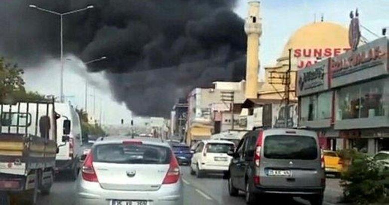İzmir'de polyester üretilen iş yerinde korkutan yangın