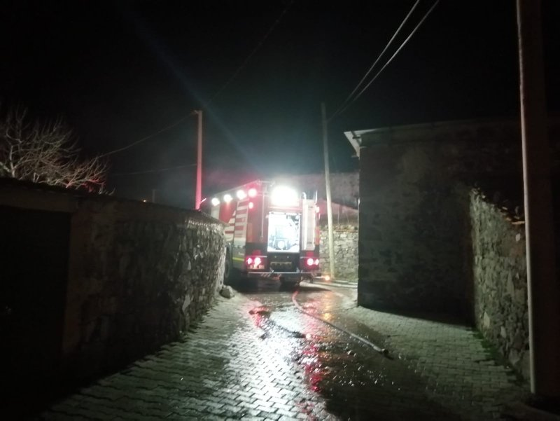 İzmir'de yangın faciası! Aliağa'da çıkan yangında 11 yaşındaki çocuk öldü
