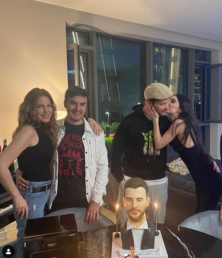 Ünlü çift sosyal medyanın diline düştü! Doğum günü pastasını görenler şok oldu