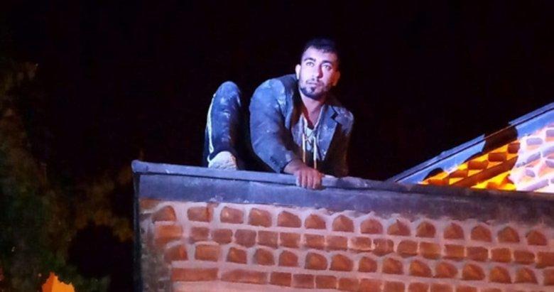 Kütahya'da camideki kurşun levhaları çalmaya çalışanlara suçüstü