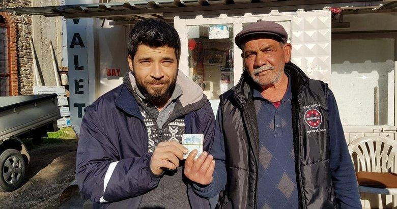 İzmir'de bir kişi yolda bulduğu 2 bin lirayı sahibine teslim etti