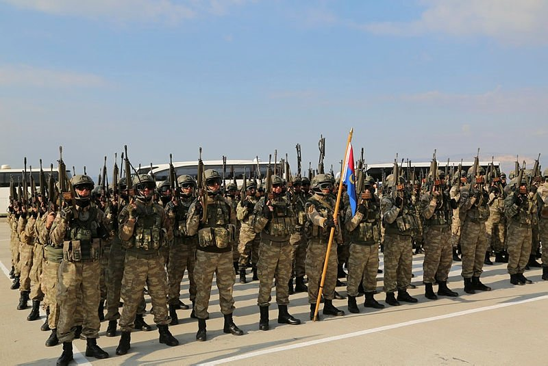 Şırnakdan 660 asker ve korucu Afrine uğurlandı
