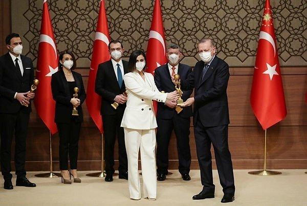 Turkuvaz Medya'nın gurur günü! Başkan Erdoğan ödülleri takdim etti