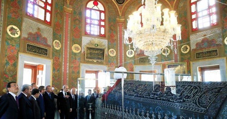 Cumhurbaşkanı Erdoğan restore edilen Fatih Sultan Mehmet'in türbesini açtı
