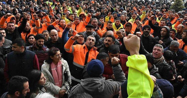 İzmir'de Büyükşehir Belediyesi çalışanlarından protesto! ESHOT kontak kapattı