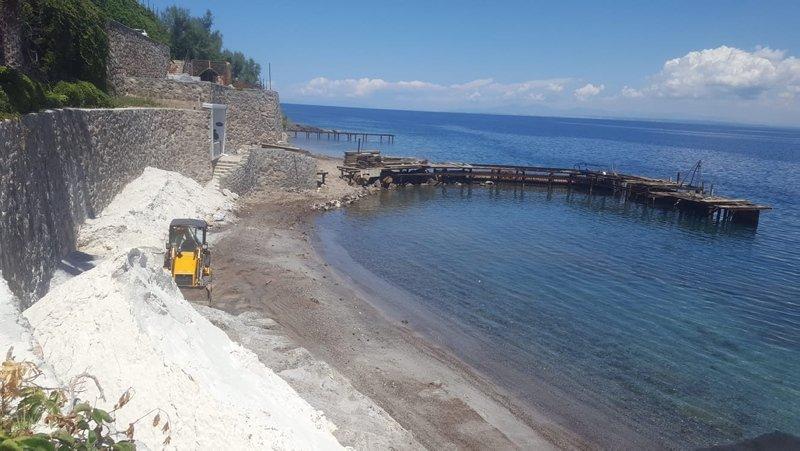 Bodrum'da beyaz kum tartışması! 'Deniz çayırlarını yok ediyor'