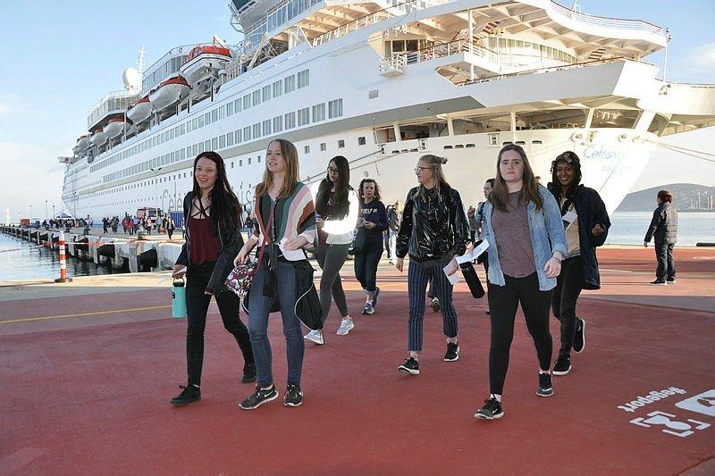 Kuşadası, 2021 sezonunda dev gemilerle 200 bin turist hedefliyor