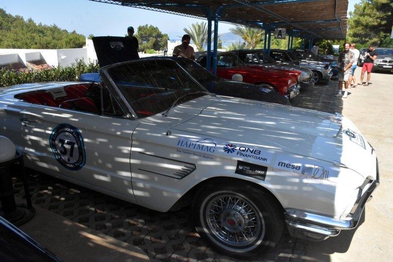 Muğla'da klasik otomobil tutkunları rallide buluştu