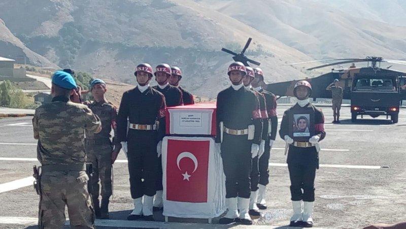 PKK'lı hainler anne ve bebeğini katletti!