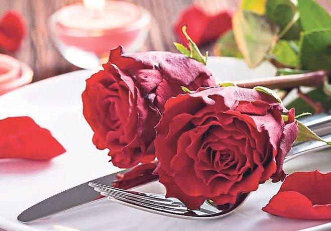 Çiftlerin gözdesi çiçek ve tektaş