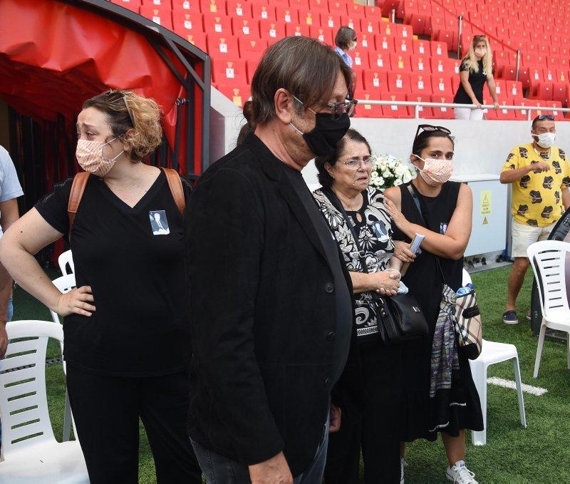 Göztepe'nin eski futbolcularından Halil Kiraz'a veda