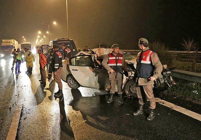 3 üniversite öğrencisi kazada öldü