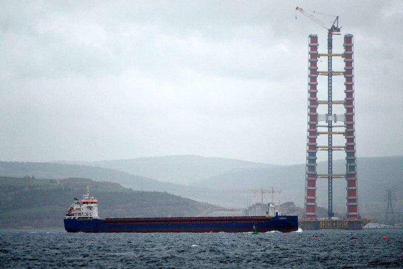 Simgelerin köprüsünde kule yüksekliği 230 metreye ulaştı