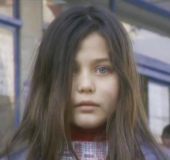 Çocuklar Duymasın dizisinin çocuk oyuncusu Ece Çeşmioğlu'nun şimdiki hali şok etti! İşte çocuk oyuncuların şaşırtan değişimleri...