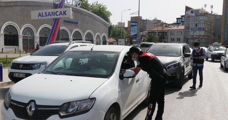 İzmir'de Kovid-19 tedbirlerine ilişkin denetimler sürüyor