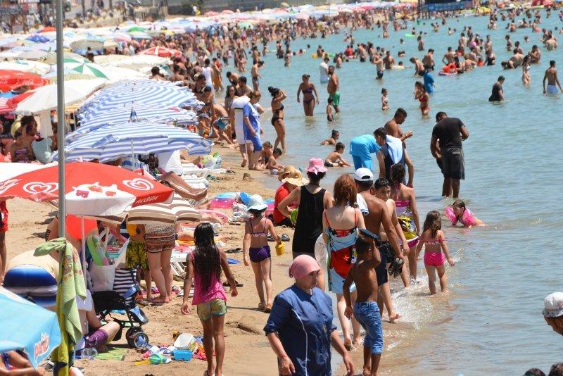 Aydın'da sahiller doldu taştı
