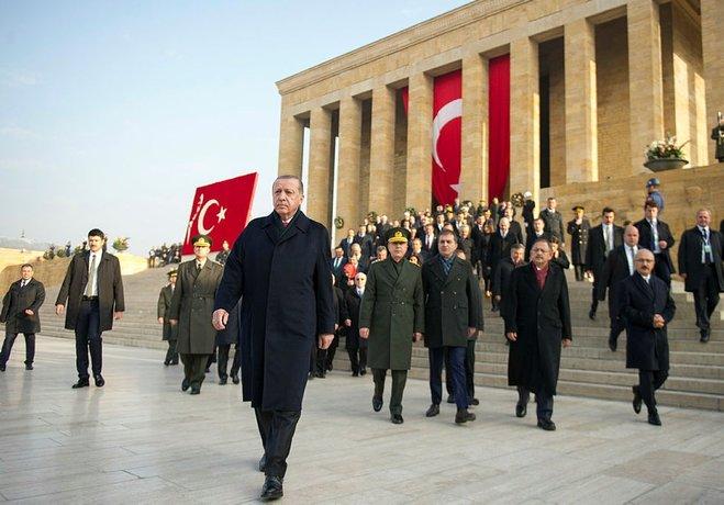 Atatürk'ü faşistlere bırakmayacağız