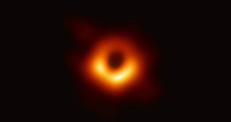 Dünyada bir ilk! NASA kara delik (black hole) fotoğrafı paylaştı! İşte o görüntü