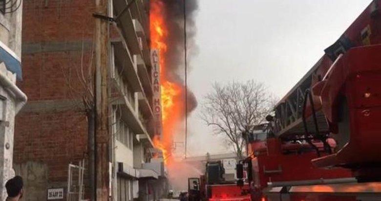İzmir'de otelde yangın