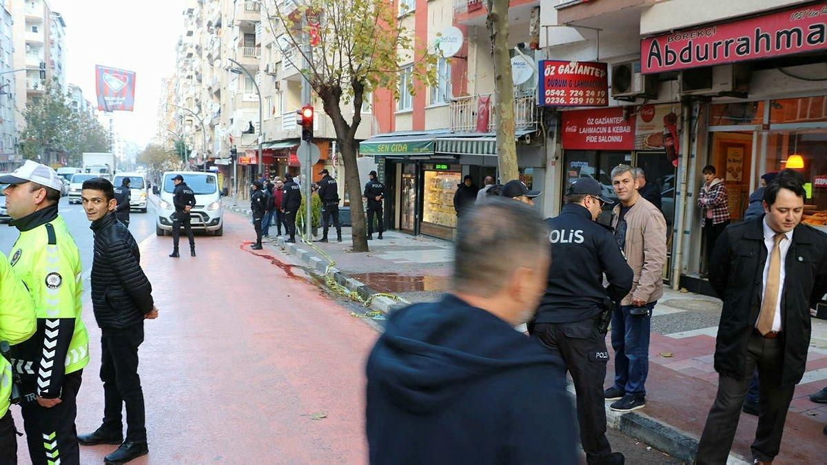 Manisa'da tartışma kanlı bitti! Husumetlisi olduğu kişiyi ensesinden vurarak öldürdü