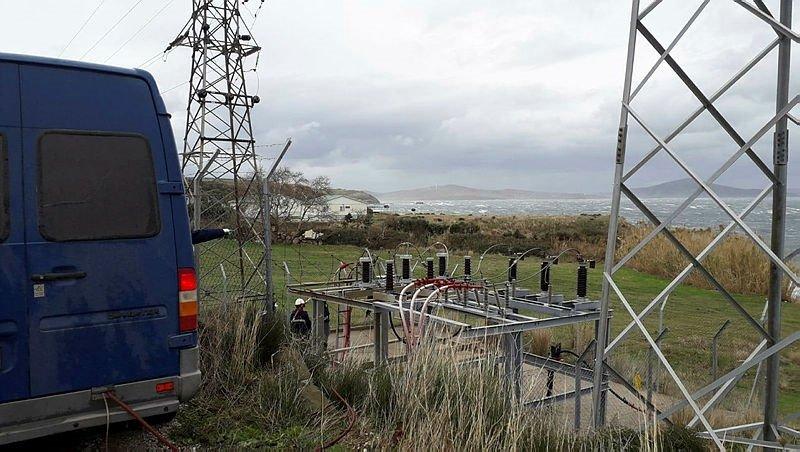 Balıkesir'de gemi kablolara zarar verdi; Marmara Adası dünden beri elektriksiz
