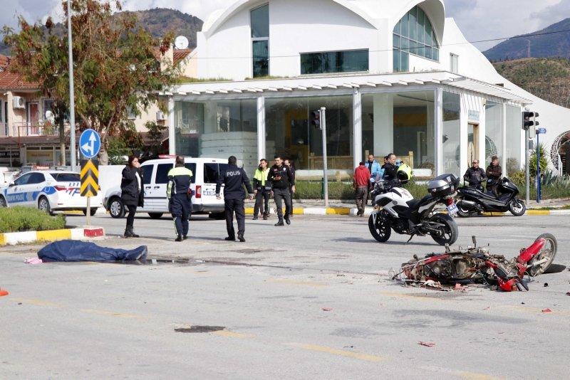 Muğla'da otomobille çarpışan motosiklet sürücüsü öldü