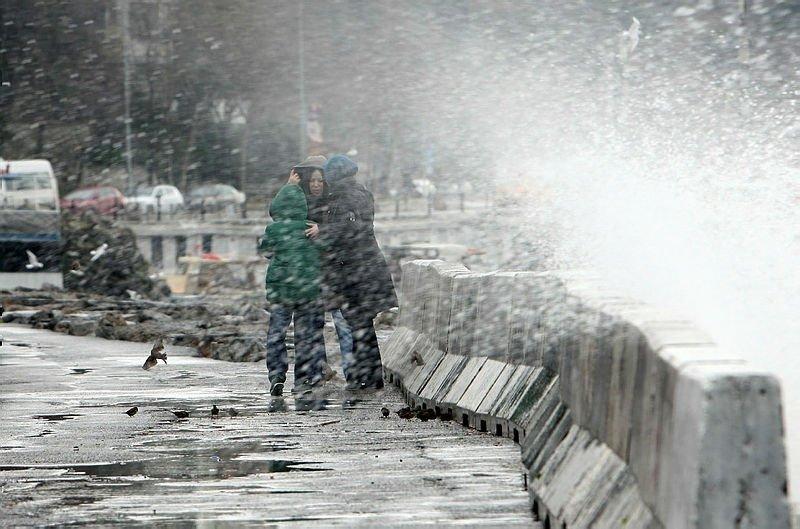 İzmir'de hava durumu nasıl olacak? Meteoroloji'den son dakika kuvvetli yağış uyarısı! İşte 15 Mart Cuma İzmir'de ve Ege'de hava durumu