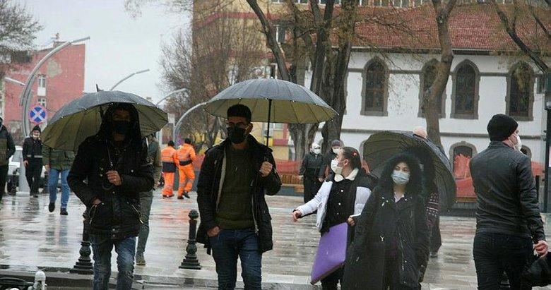 Afyonlular baharı beklerken kar yağışıyla karşılaştı